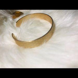 ❤️ gold cuff bracelet ❤️